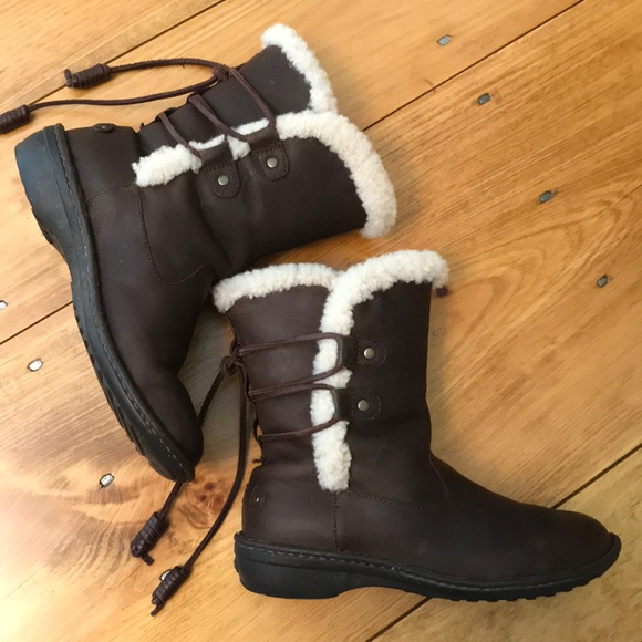 731cfde7970 Ugg Australia Akadia winter boots